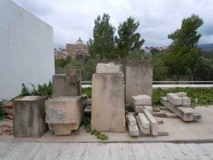 Pedres de la creu al cementiri