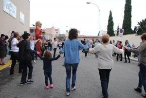Ballant sardanes a Olis Solé