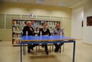 L'autora del llibre, Montserrat Puig, enmig de l'Anton Bernal (dreta) i el Joan Màdico (esquerra)