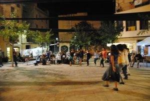 Ball folk a la plaça